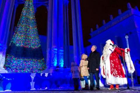 Встреча Всероссийского Деда Мороза из Великого Устюга. «Новогоднее караоке Деда Мороза»